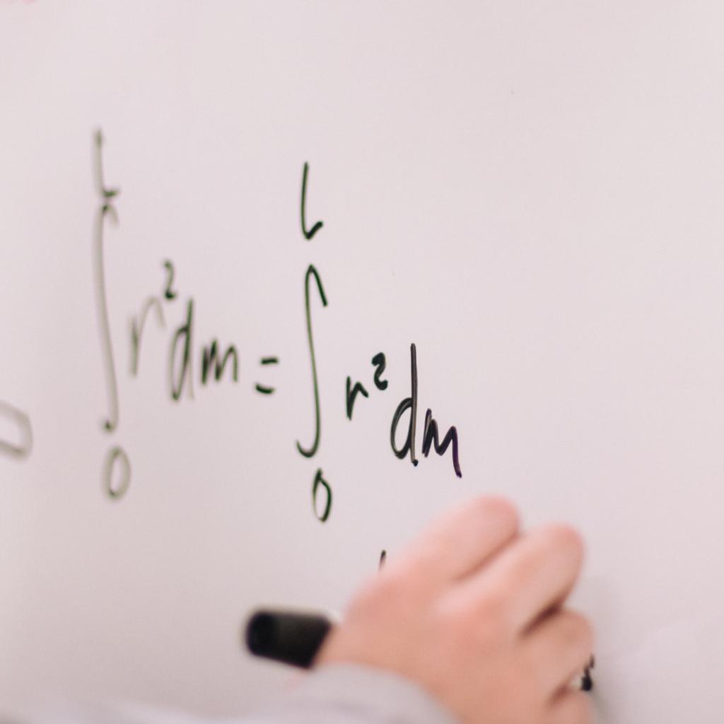 математик вакансия